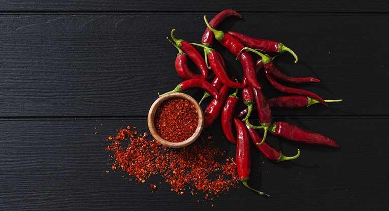Chili Peppers 101: Nutrition Facts and Health Effects